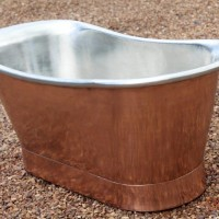Copper bath with tin interior R42 500