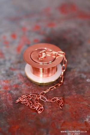 Plug with chain